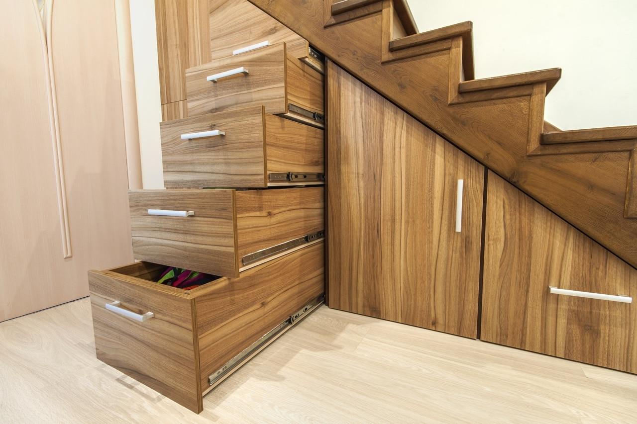 Concevez votre meuble de rangement ou placard sous Meuble sur mesure sous escalier