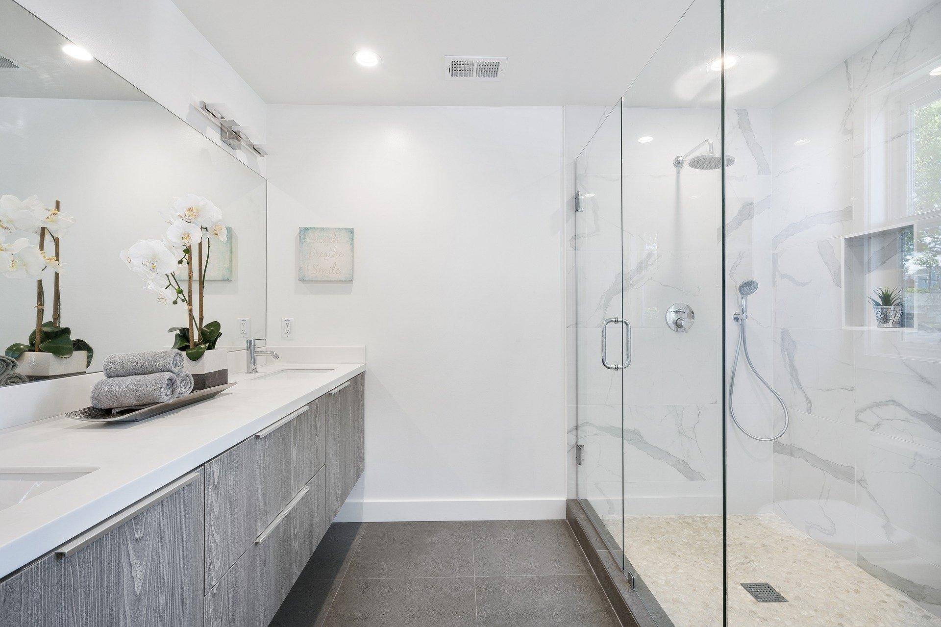 Un meuble de salle de bain sur mesure incroyable mais vrai !