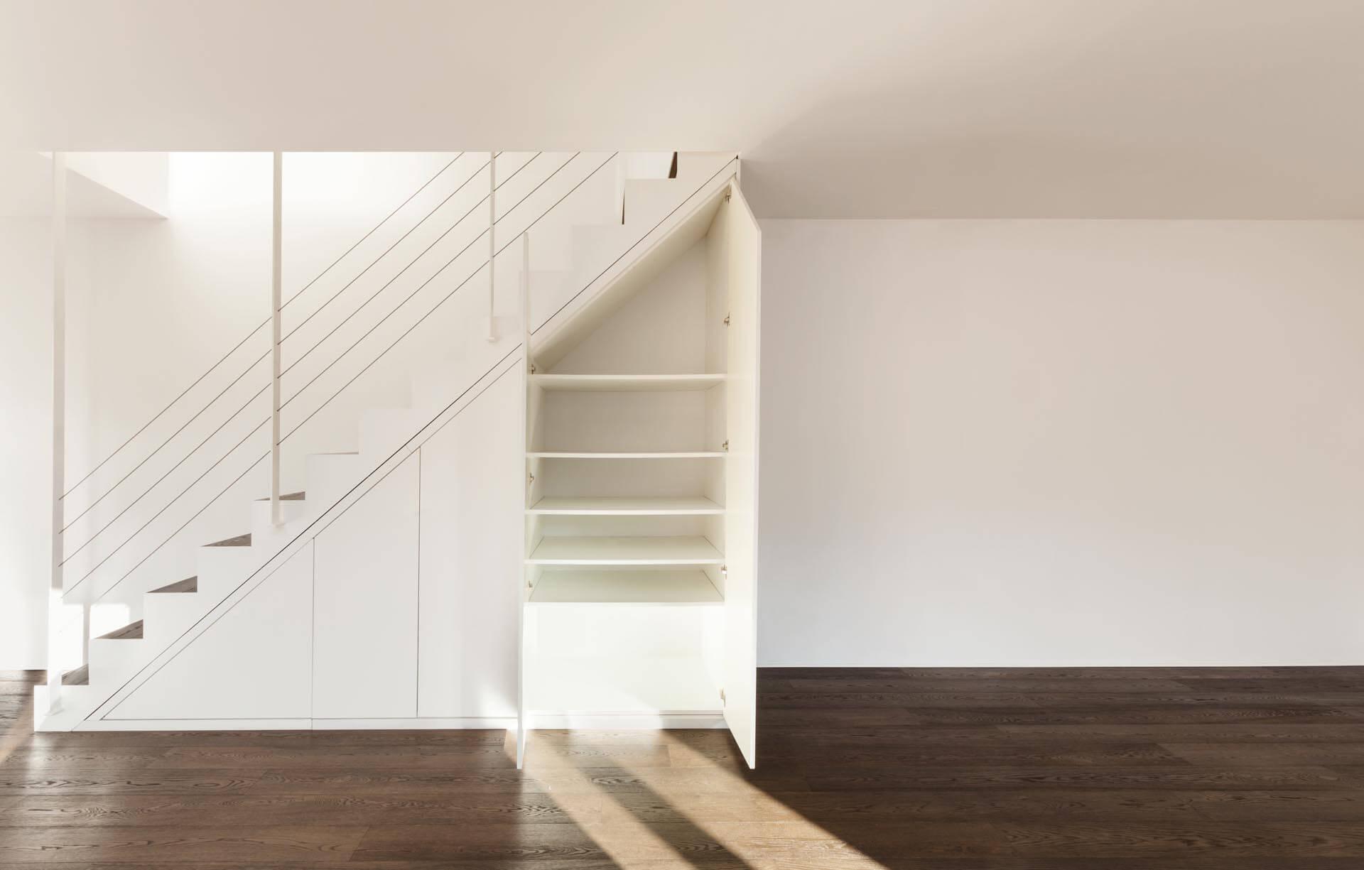 tikimob_meuble-sous-escalier-blanc