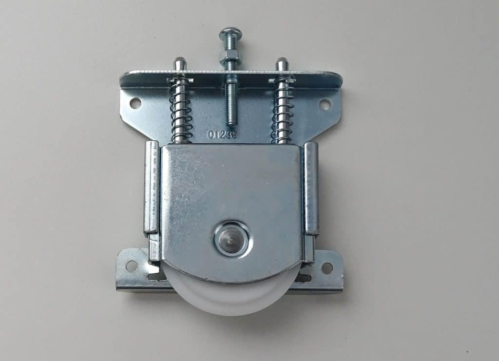 Roulette pour portes de placards coulissants (partie basse)